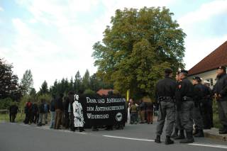 AntifaschitInnen beim Start der Demo